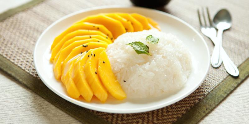 Сладкий рис с манго, сладости тайланда, десерты тайланда, тайские десерты