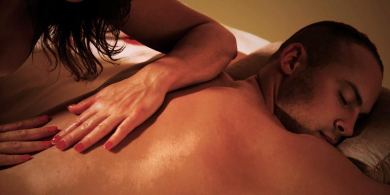 Эротический массаж голым телом москва эротический массаж для пар сауна