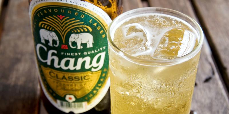 Пиво со льдом в Таиланде