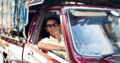 как дешево отдохнуть в тайланде, машина и таец