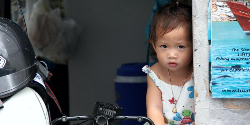 Стоит ли брать ребенка в Тайланд, тайский ребенок