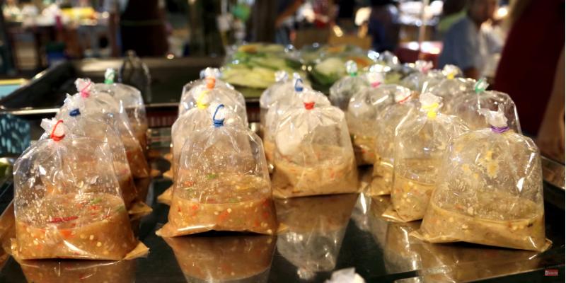 Упаковка уличной еды, тайская уличная еда, стрит фуд